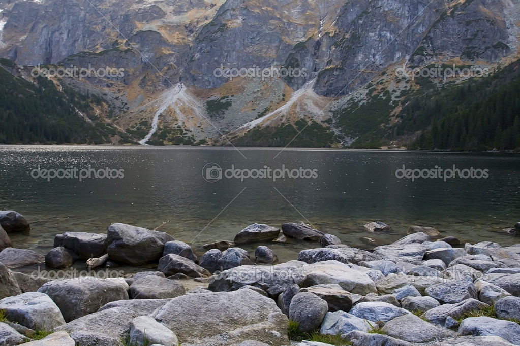 Фотообои Lake in polish Tatra mountains