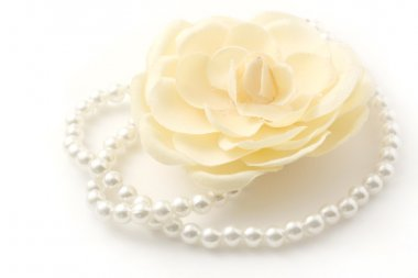 Pearls and flower