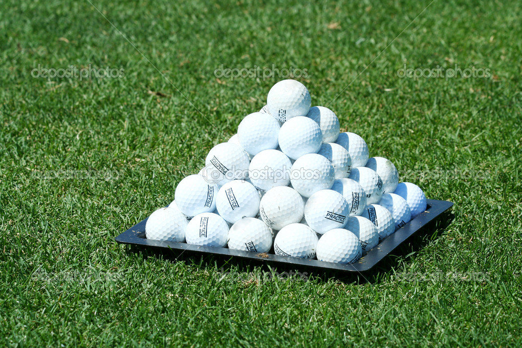 pyramide de balle de golf photographie njnightsky 2040123. Black Bedroom Furniture Sets. Home Design Ideas