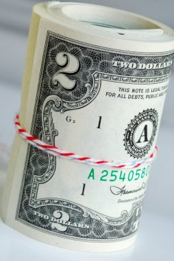 A strap of United States $2 bills
