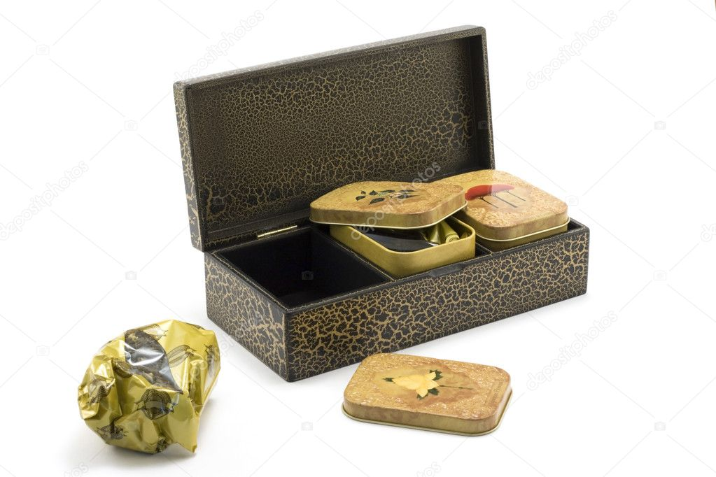 Wooden box with tea 2