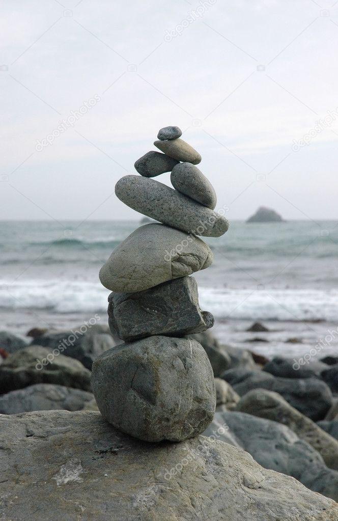 Balancing rocks sculpture