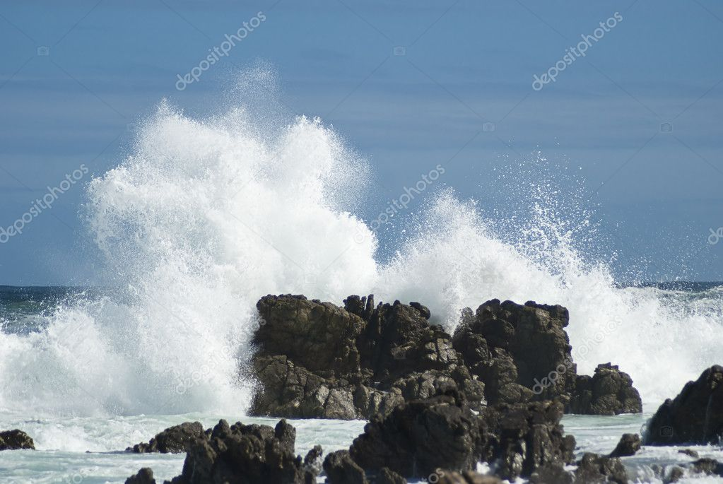 Big waves crashing down
