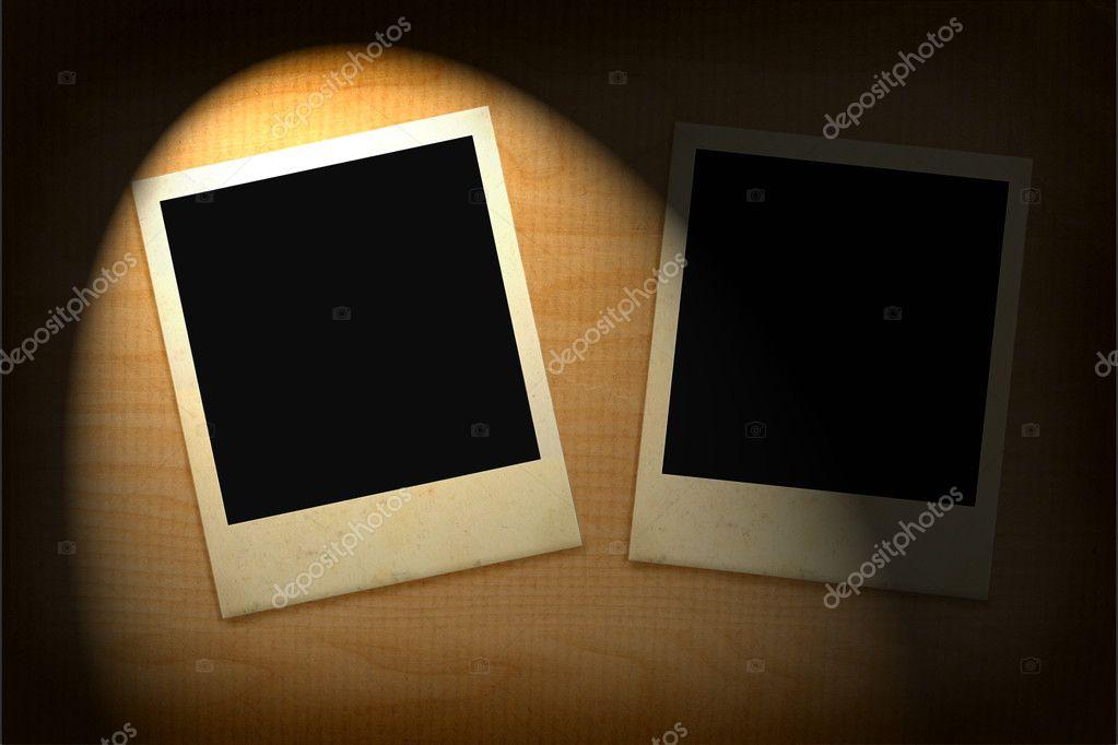 zwei alte bilderrahmen leuchtet in der finsternis — Stockfoto ...