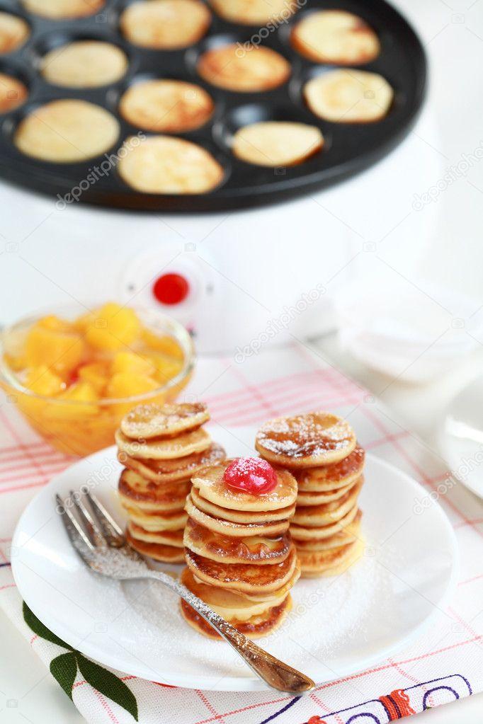 Sweet pancakes with pancake maker