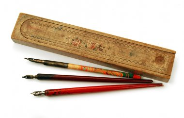 Vintage pens and wooden case