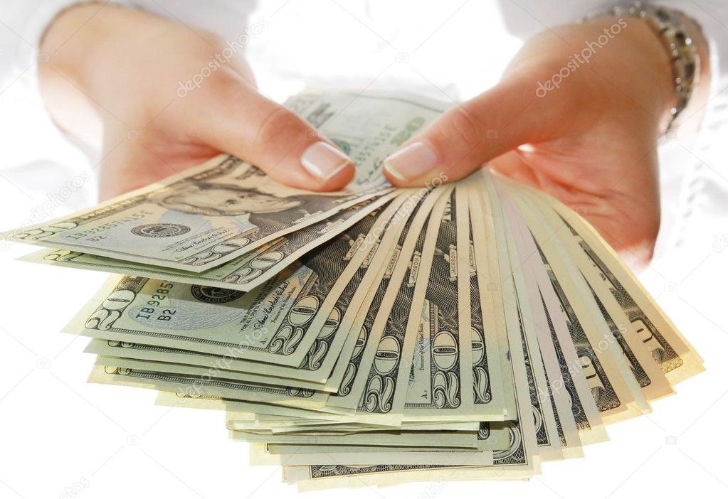 ᐈ Manos sosteniendo dinero fotos de stock, imágenes manos de mujer con  dinero | descargar en Depositphotos®