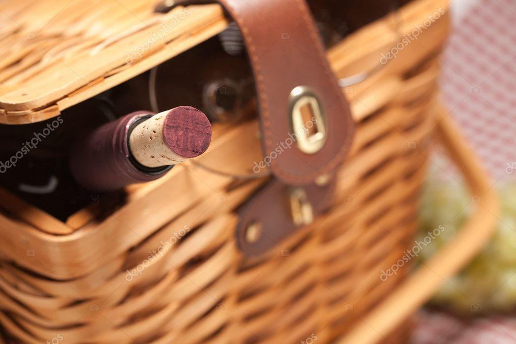 Eier in einem Korb datieren