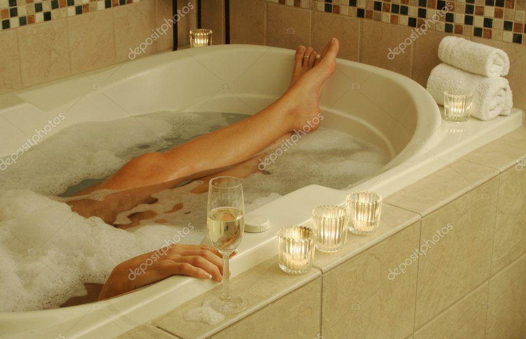 Ава адамс вдвоем в ванной