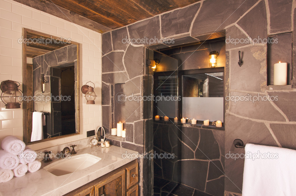 Luxuriöses Landhaus Badezimmer — Stockfoto © Feverpitch #2360987