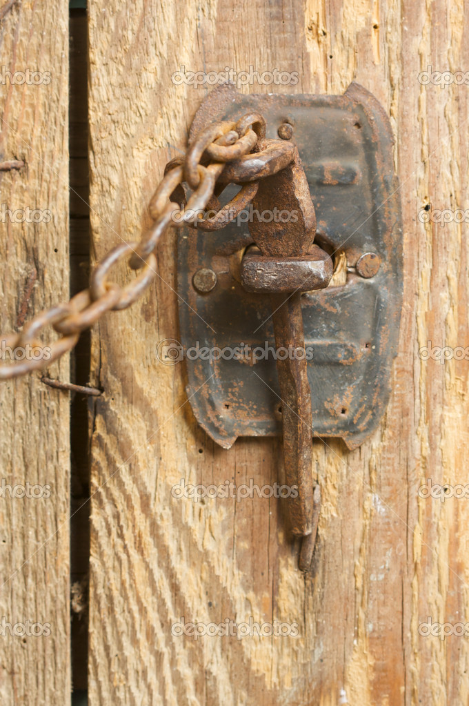Antique Rusty Barn Door Latch and Chain — Photo by Feverpitch - Antique Rusty Barn Door Latch And Chain — Stock Photo © Feverpitch