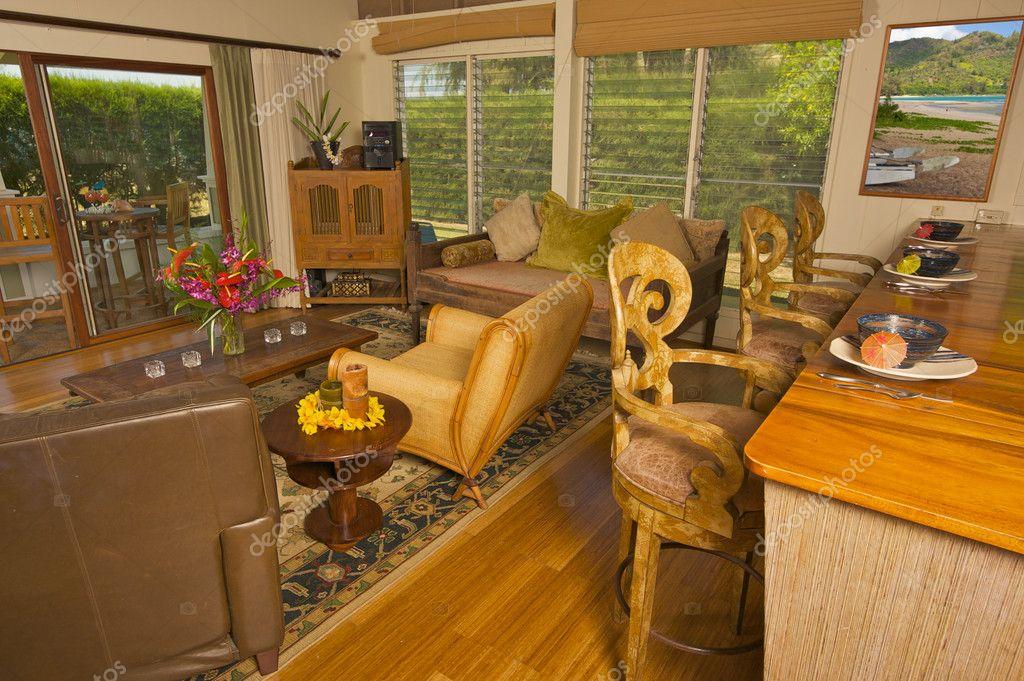 tropische Wohnzimmer Interieur — Stockfoto © Feverpitch #2367161