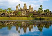 Photo Angkor Wat before sunset, Cambodia.
