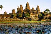 Photo Angkor Wat at sunset, cambodia.
