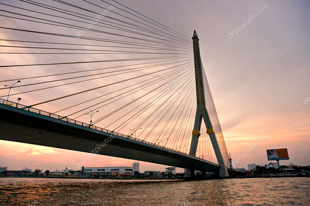 King Rama Bridge, Bangkok, Thailandia.