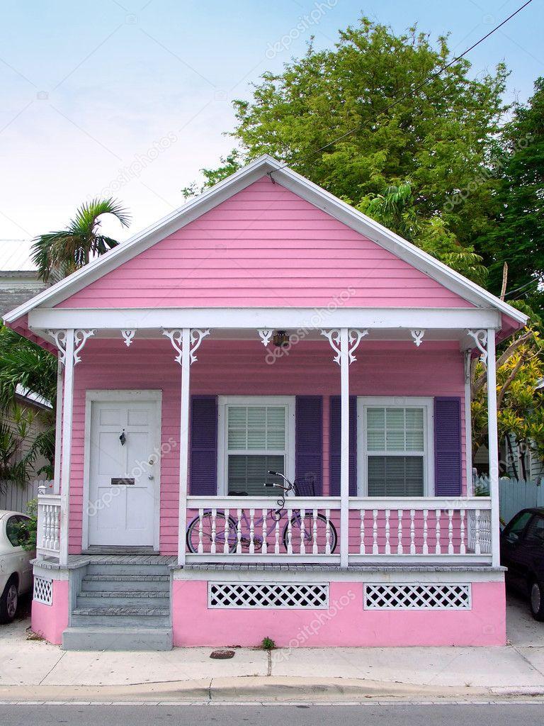 Фотообои Розовый дом