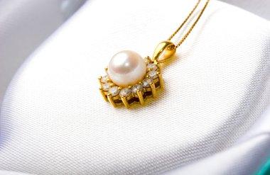 Pearl diamond pendant gold jewelry