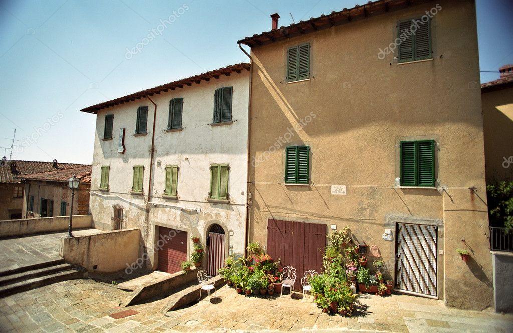 Huizen In Italie : Twee huizen in italië u stockfoto fairybloom