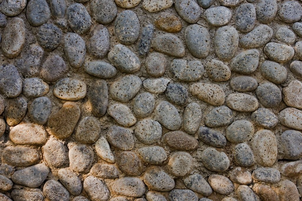 Pebble pavement