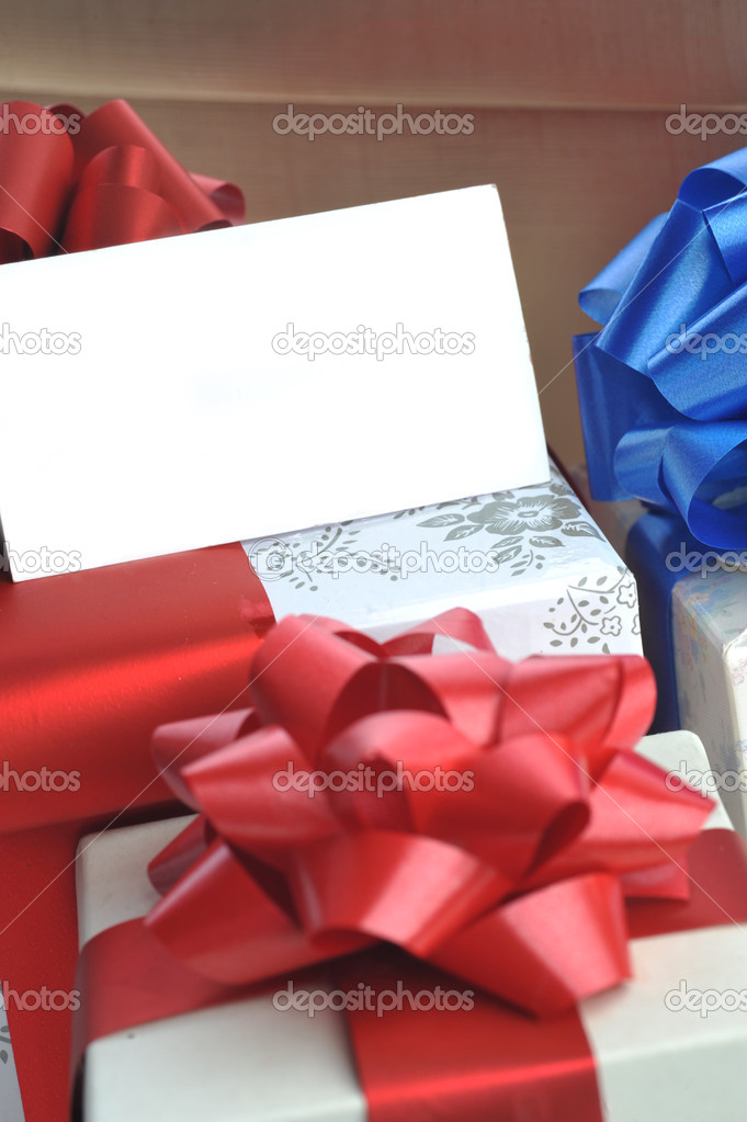 Geschenk-Boxen mit Namen Karte — Stockfoto © Taden1 #2653126