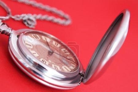 Photo pour Ancienne montre de poche - image libre de droit