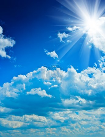 beautyful cloudy blue sky with sun