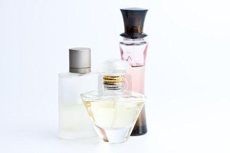 Photo pour Bouteille de parfum - image libre de droit