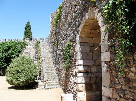 Medieval arch of castele, Beja