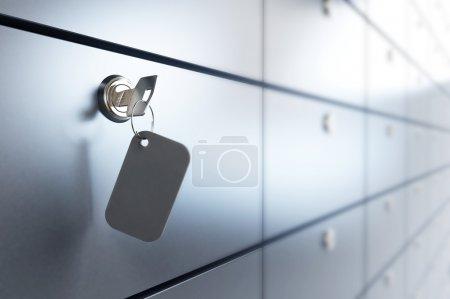 Photo pour Coffre-fort et clé du coffre - image libre de droit