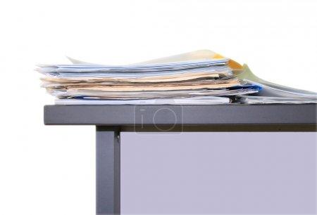 Photo pour Travaux de bureau, papiers sur table - image libre de droit