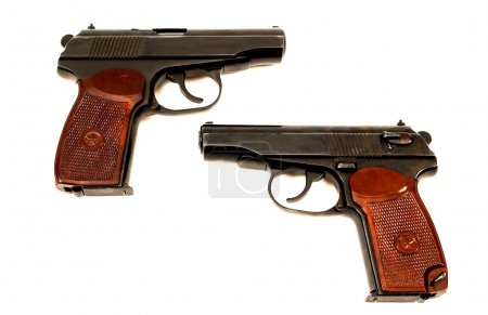 Deux armes de poing russes 9mm