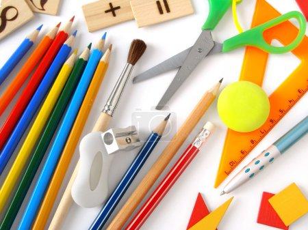 Photo pour Outils pédagogiques sur blanc - image libre de droit