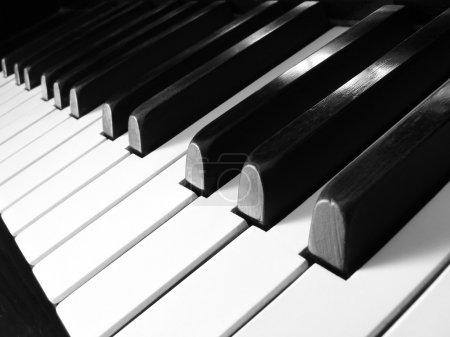 Photo pour Fragment de clavier de piano ancien - image libre de droit