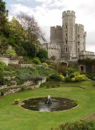 Garden in the Windsor Castle. Edward tow