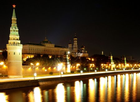 The Kremlin quay at night.