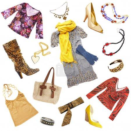 Photo pour Les vêtements et accessoires de dame sur un fond blanc - image libre de droit