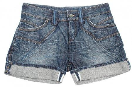 Photo pour Short jeans sur fond blanc - image libre de droit