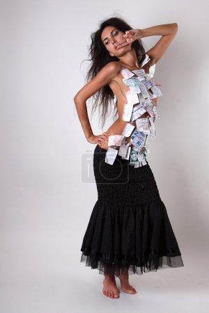 Photo pour Jeune fille sexy dans la publicité sur son corps - image libre de droit