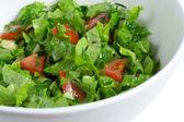 salade verte dans un bol