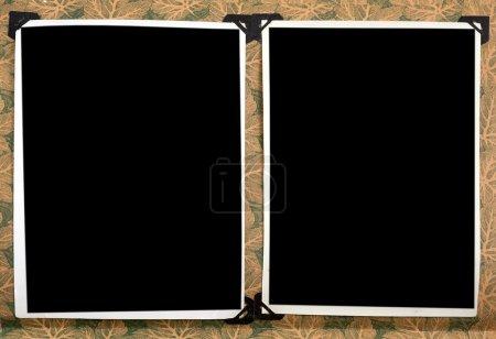 Foto de Álbum de foto de época con fotos vacíos aislado sobre fondo blanco con trazado de recorte - Imagen libre de derechos