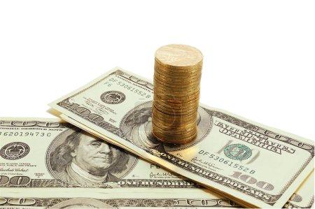 Photo pour Les dollars américains et l'ukrainien griven est isolés sur fond blanc - image libre de droit