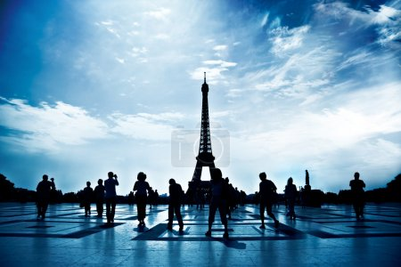 Walking silhouettes in Paris