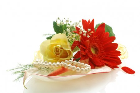 Collection of flowers with a perls
