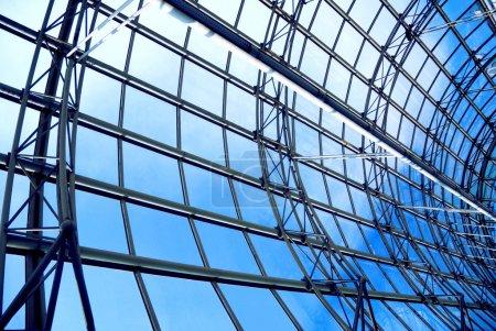 Photo pour Architecture moderne en verre et métal - image libre de droit