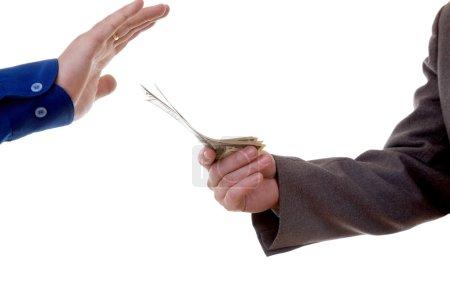 Photo pour Deux hommes à conclure un accord isolé à fond blanc - image libre de droit