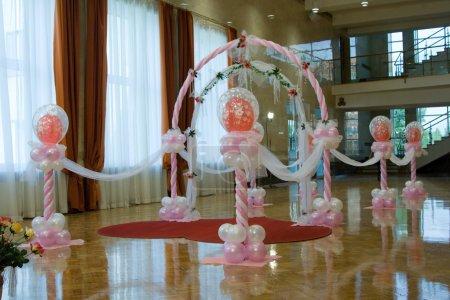 Photo pour Salle de mariage. Ornements de ballons . - image libre de droit