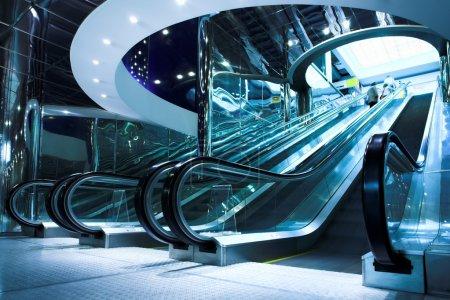 Move escalator in modern office centre
