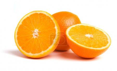 Photo pour Oranges sur fond blanc - image libre de droit