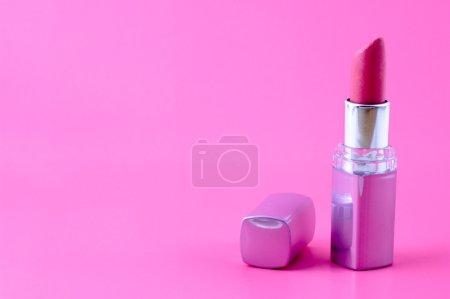 Photo pour Rouge à lèvres - image libre de droit