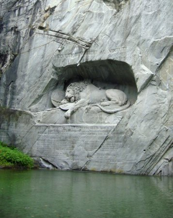 Photo pour Monument Lion à Lucern, Suisse - image libre de droit